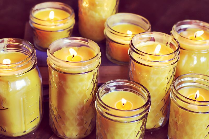 How to make beeswax candles at home_making beeswax candles homemade